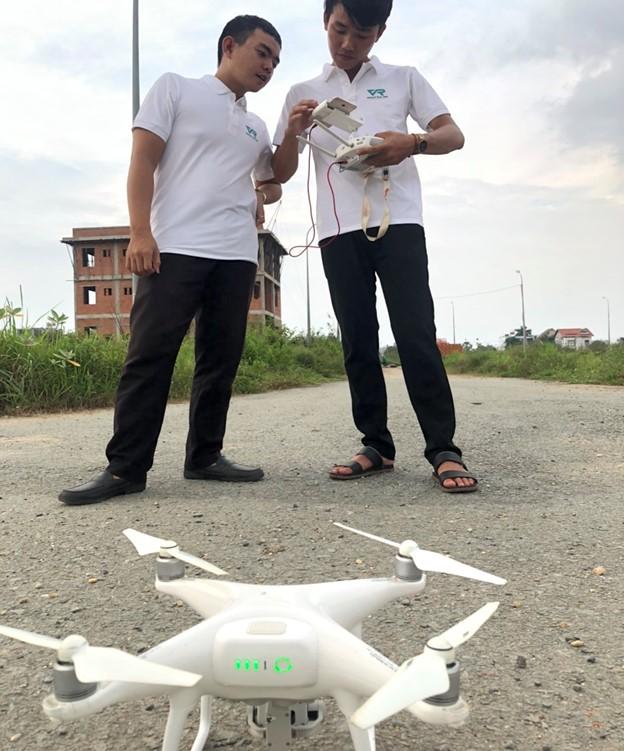 Điều khiển flycam thực tế